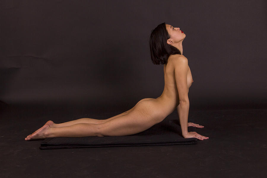 girlfriend-nude-yoga