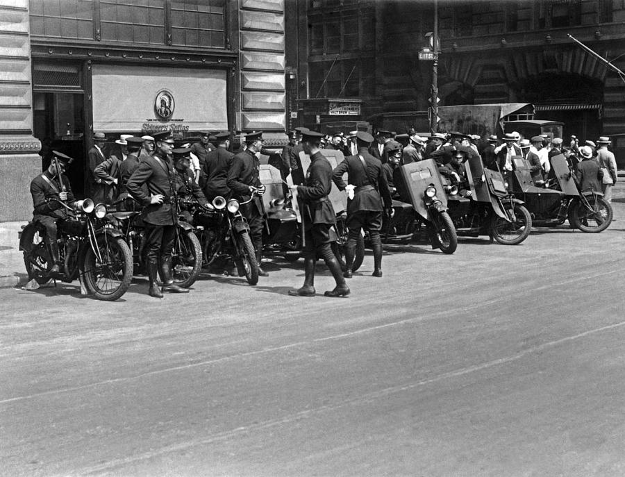 1927 Photograph - Ny Armored Motorcycle Squad  by Underwood Archives