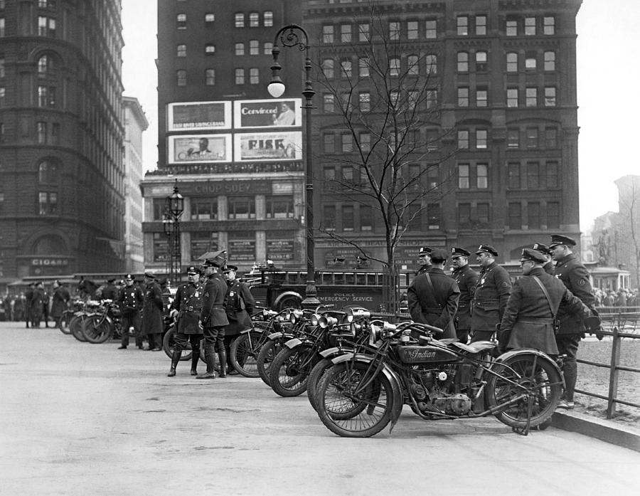 1920's Photograph - Ny Motorcycle Police by Underwood Archives