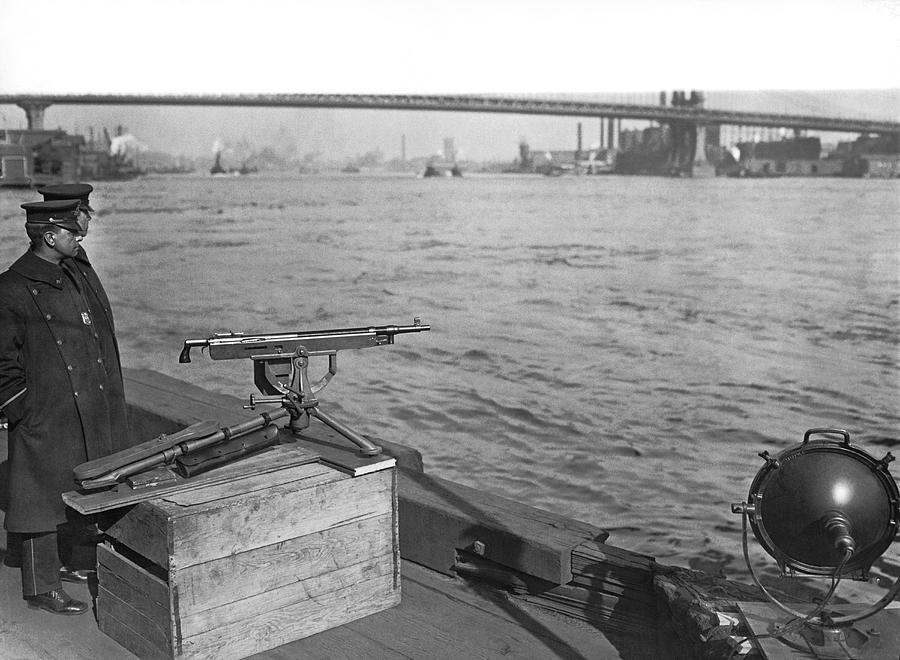 1921 Photograph - Nyc Prohibition Police Boat by Underwood Archives