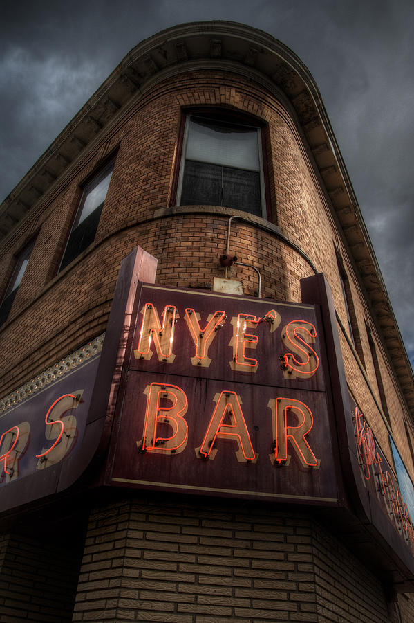 Minneapolis Photograph - Nyes Bar by Bryan Scott