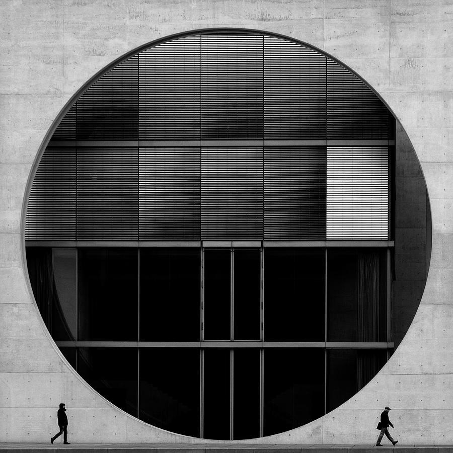 Circle Photograph - O2 by Fernando Correia Da