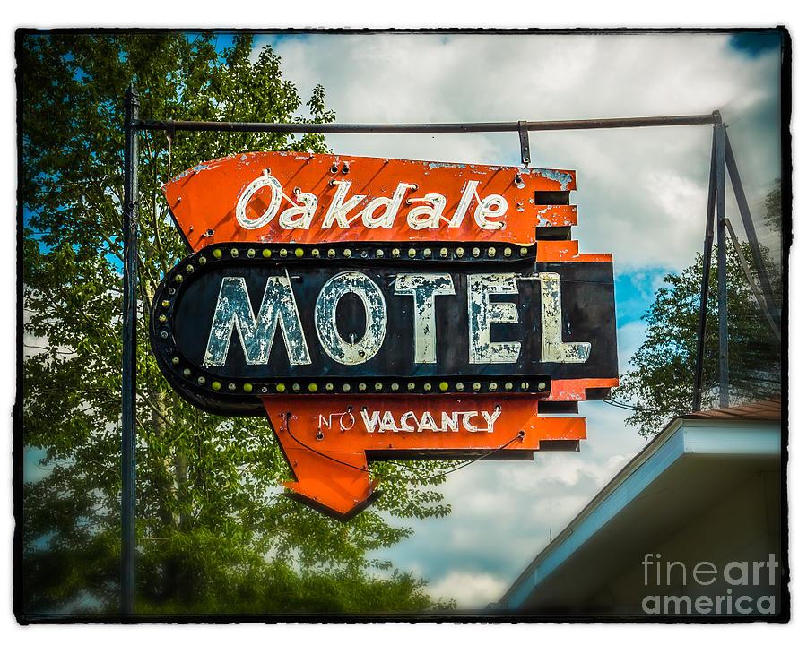 Motel  Oakdale