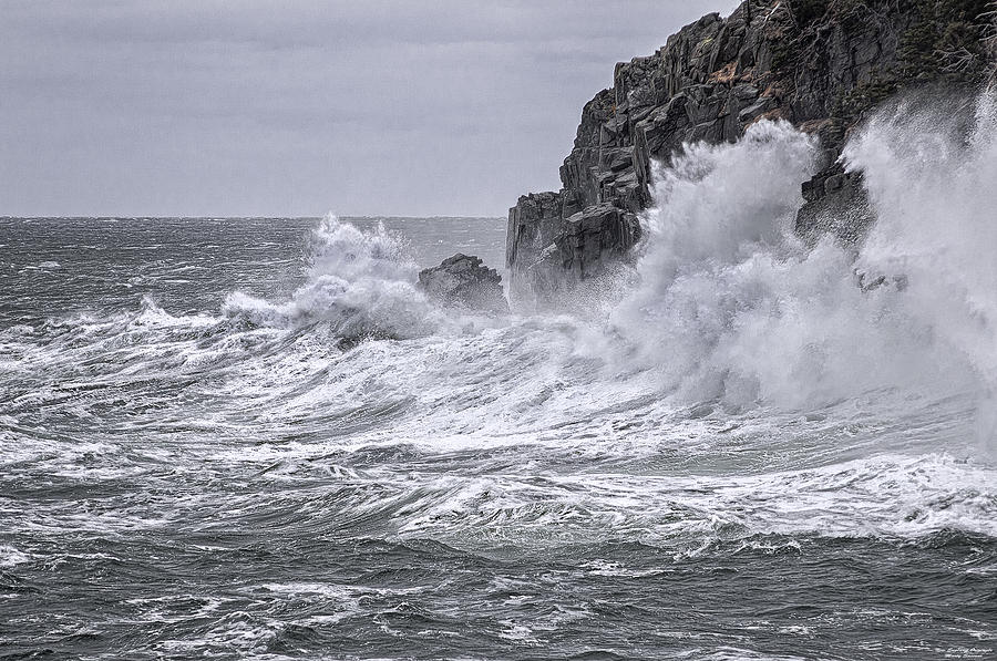 Quoddy Head State Park Photograph - Ocean Surge At Gullivers by Marty Saccone