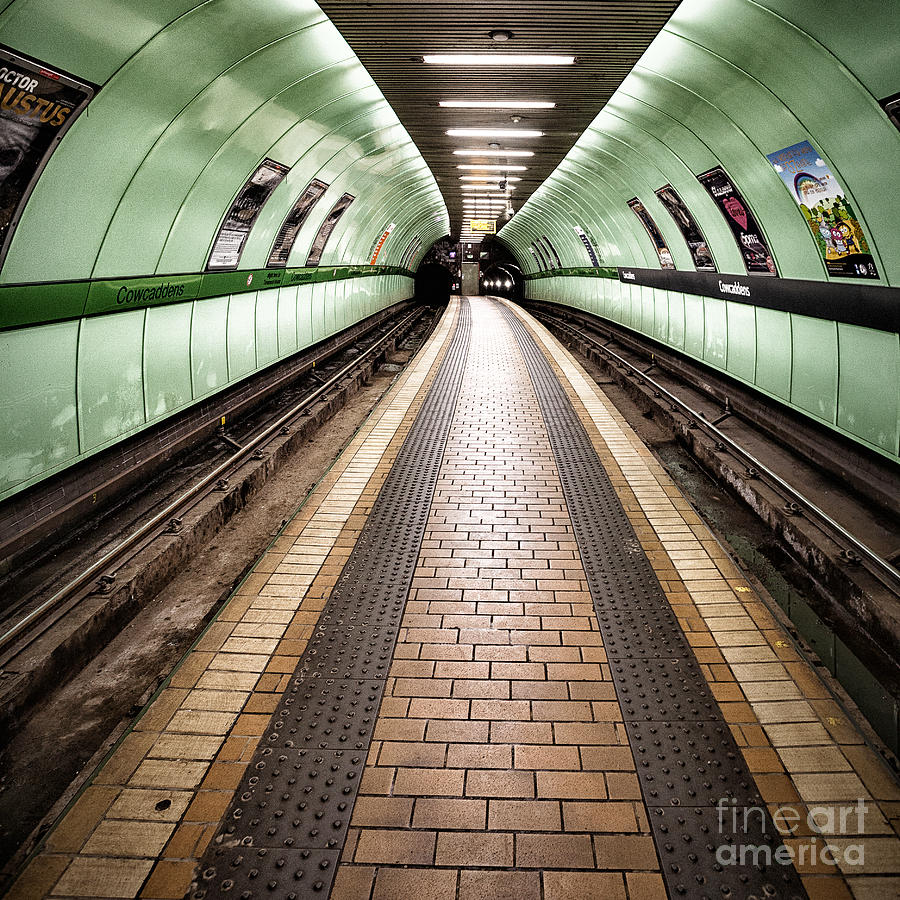 Subway Photograph - Oh So Quiet by John Farnan