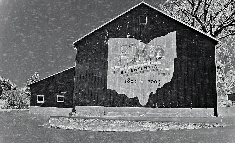 Ohio Barn In Winter Photograph - Ohio Barn In Winter by Dan Sproul