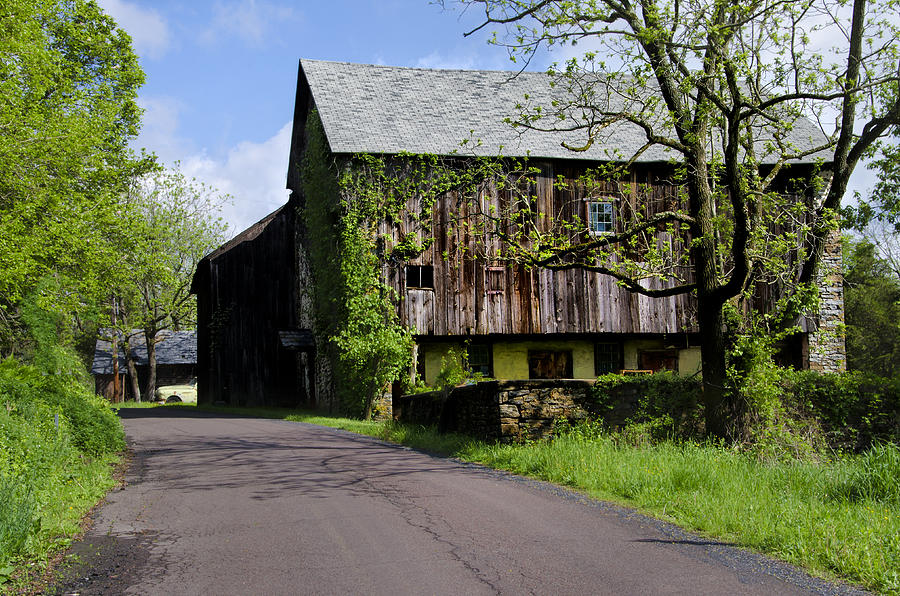 Old barn in bucks county pa photograph by bill cannon for Craft shows in bucks county pa