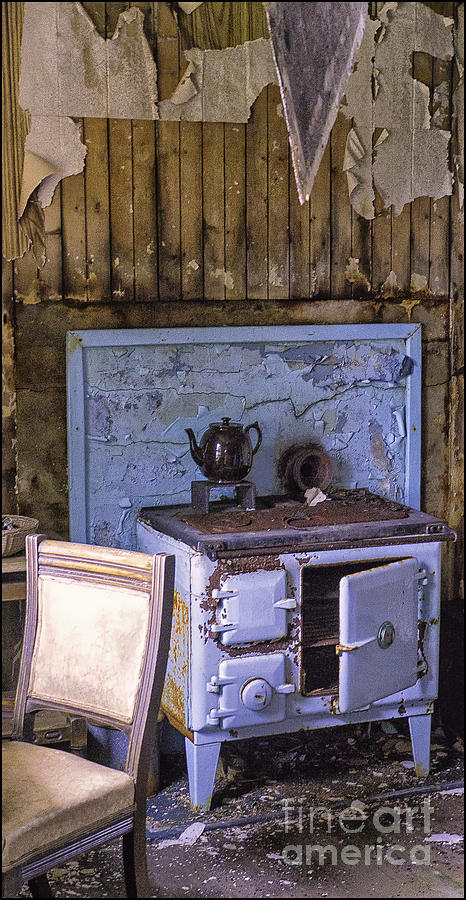 Old Stoves Photograph - Old Croft Tea Anyone by George Hodlin