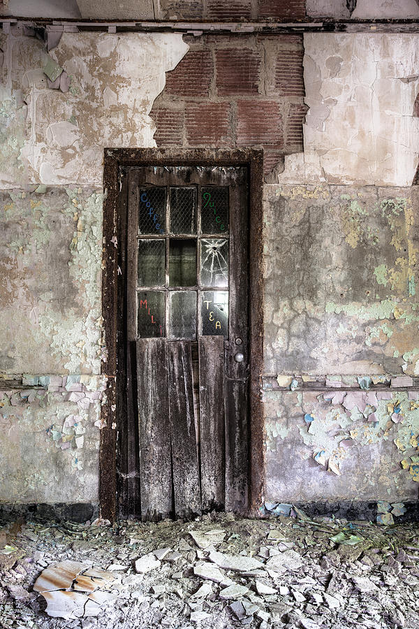 Old Door Photograph - Old Door - Abandoned Building - Tea by Gary Heller
