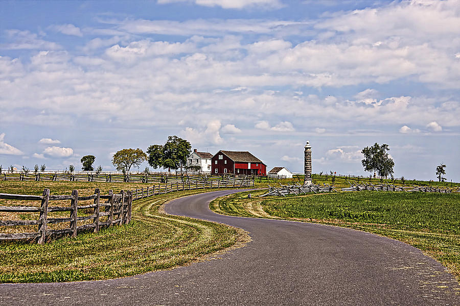 Farm Photograph - Old Farm House And Barn Gettysburg by Terry Shoemaker