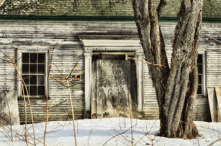 Old House Photograph - Old House By The Road by Susan Capuano