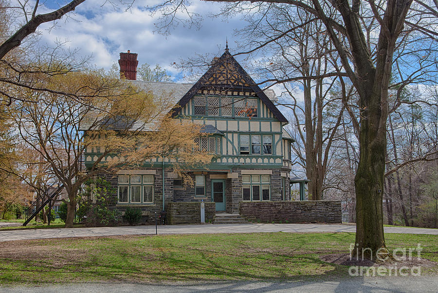 Haverford College Photograph - Old House On Haverford Campus by Kay Pickens