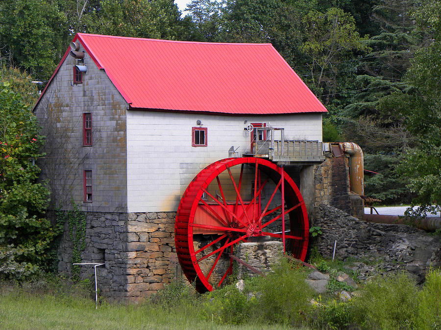 Mill Photograph - Old Mill Of Guilford by Sandi OReilly