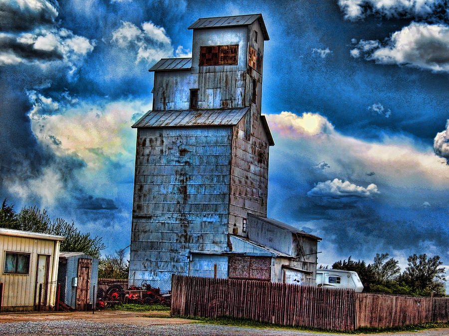 Old Purina Cat Chow Silo in Nebraska by Tyler Robbins