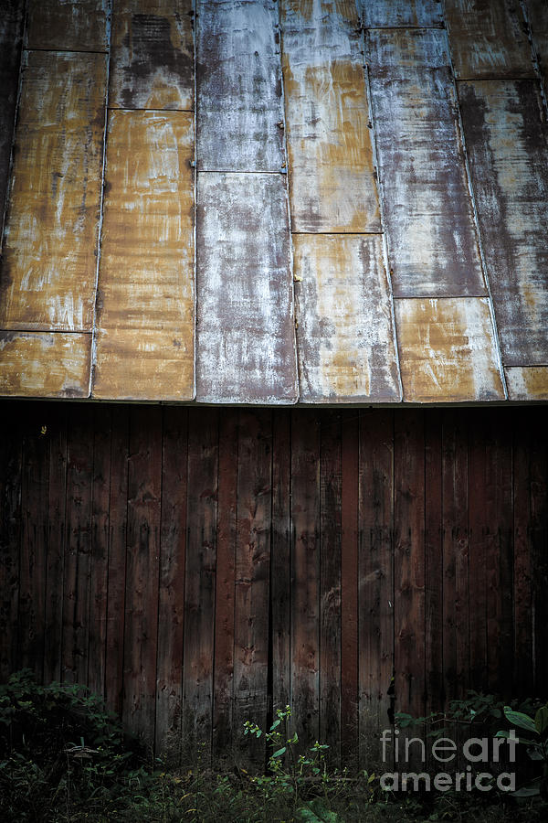 Vermont Photograph - Old Rusty Tin Roof Barn by Edward Fielding