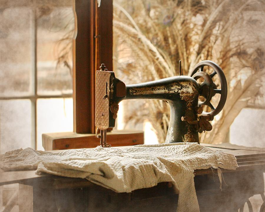 Old Sewing Machine Photograph By Terry Fleckney