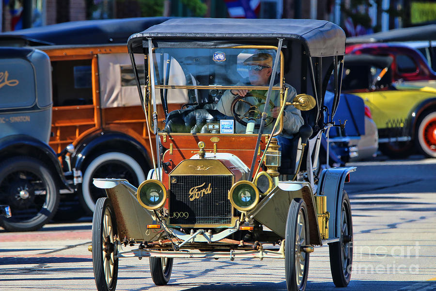 Old Time Car Rally Grand Rapids Ohio 04899 Photograph by Jack Schultz