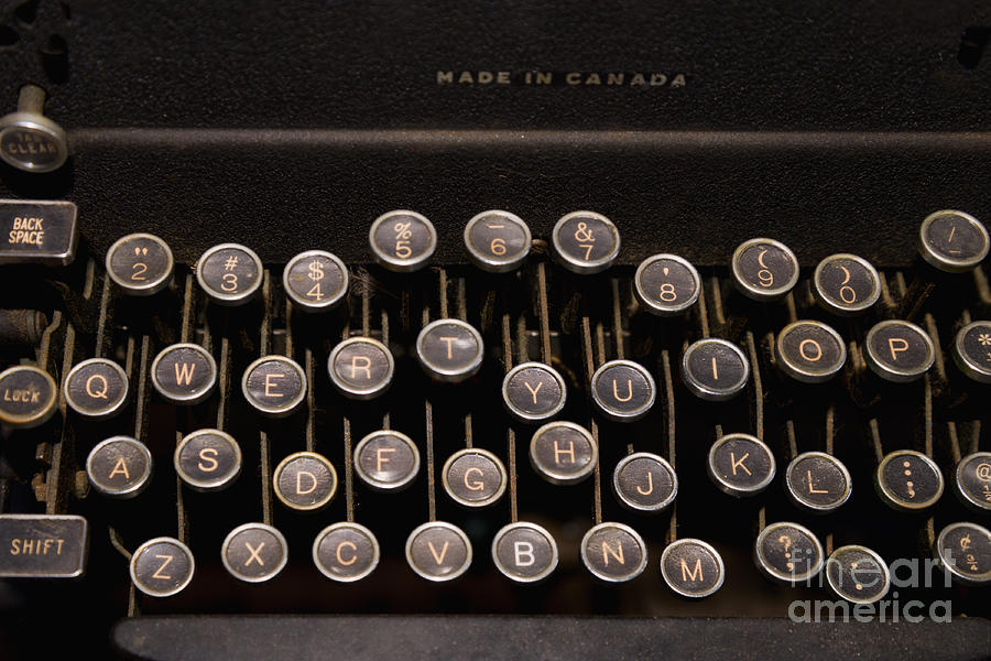Old Photograph - Old Typewriter by Les Palenik
