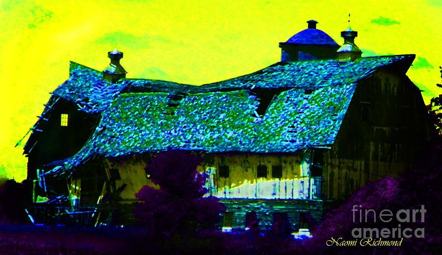Yellows Photograph - Old Wisconsin Barn by Naomi Richmond