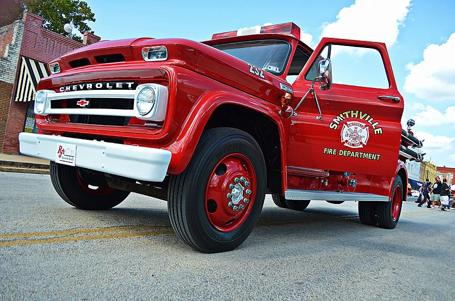 Smithville Photograph - Ole Time Fire Truck by Kelly Kitchens