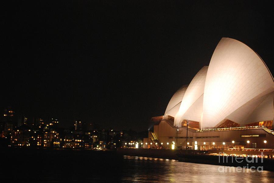 Sydney Photograph - Operahhhhh House by Susan Hernandez