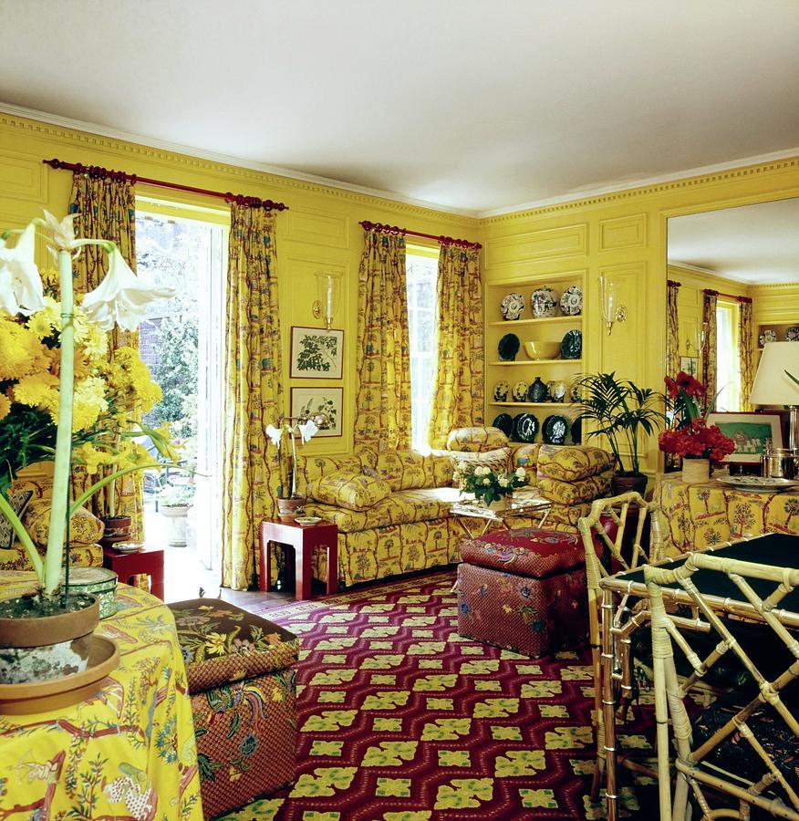 Oscar De La Rentas Dining Room Photograph by Horst P. Horst