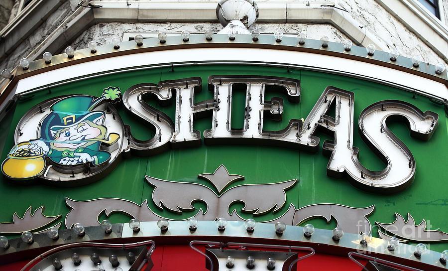 O'sheas Photograph - Osheas by John Rizzuto