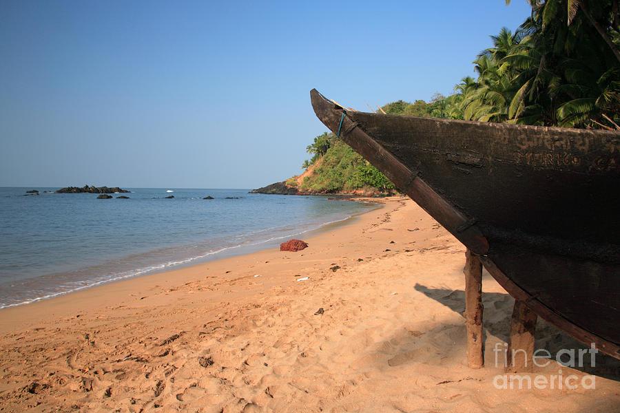 Arabian Sea Photograph - Outrigger On Cola Beach by Deborah Benbrook