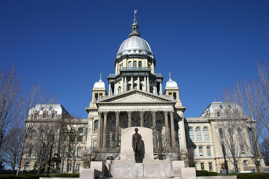 Outside view of the Illinois State Capitol Building Photograph by On-Track