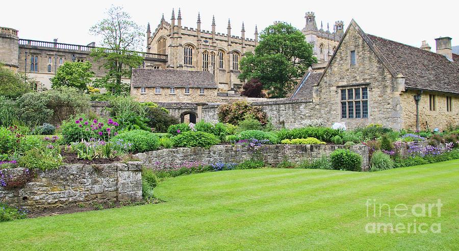 Oxford Garden 5942 Photograph by Jack Schultz