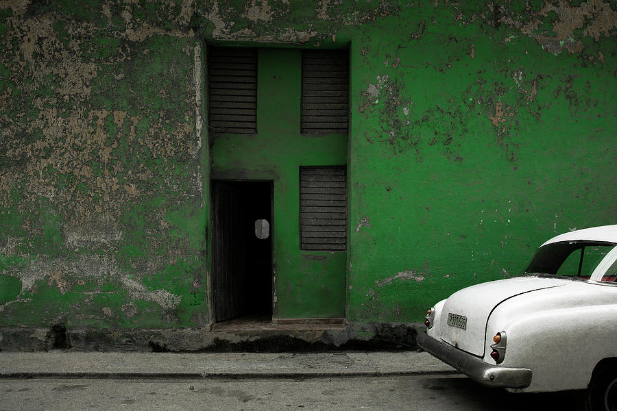 Cuba Photograph - P 177 535 by Inge Schuster