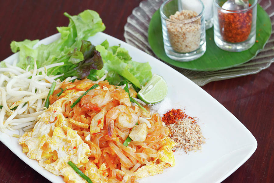 Pad Thai Photograph by Tommyix