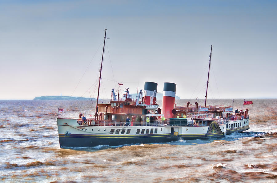The Waverley Paddle Steamer Photograph - Paddle Steamer Waverley by Steve Purnell