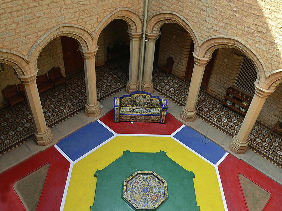 Palace Courtyard Photograph by Photo By Bhaskar Dutta