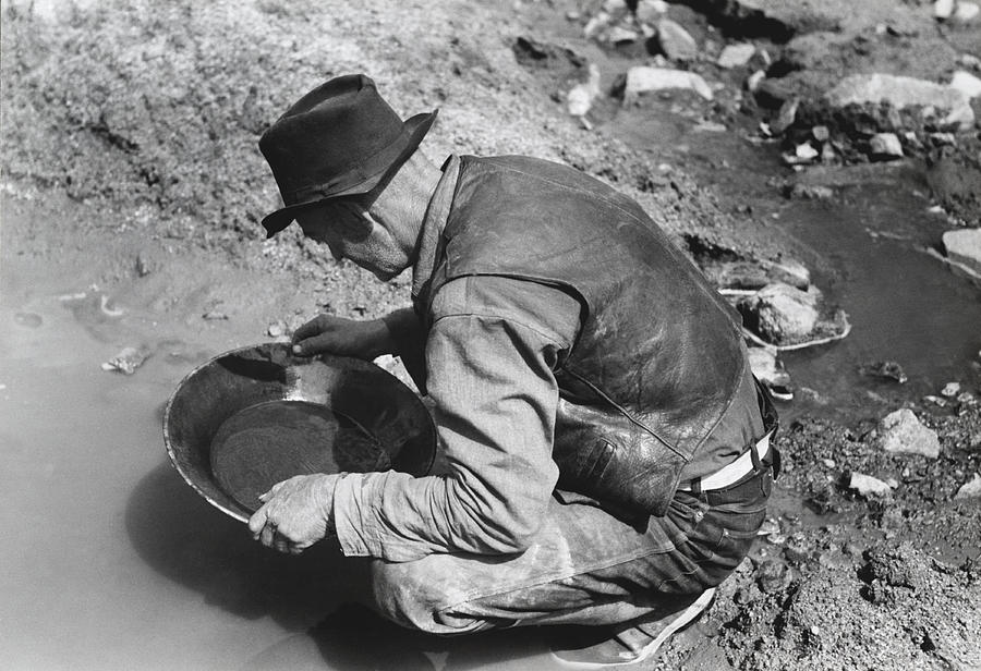 1910's Photograph - Panning For Gold by Russell Lee
