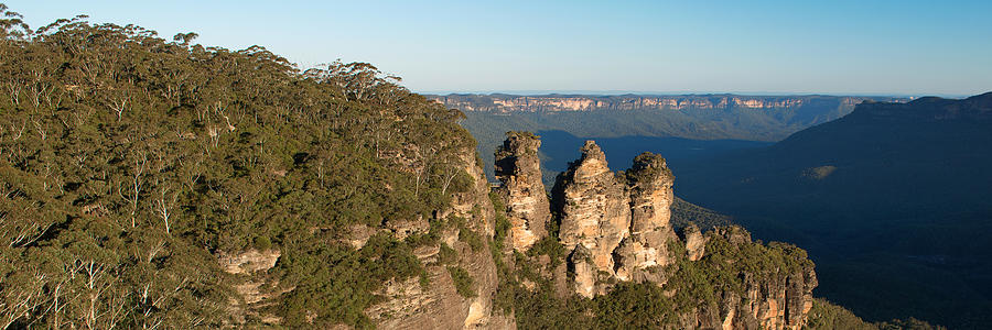 Australia Photograph - Panoramic Photo Of Blue Mountain And The Three Sisters by Yew Kwang