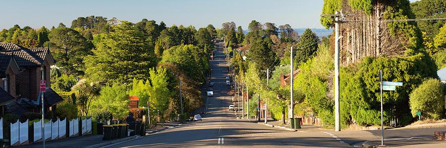 Australia Photograph - Panoramic Photo Of Katoomba Street by Yew Kwang