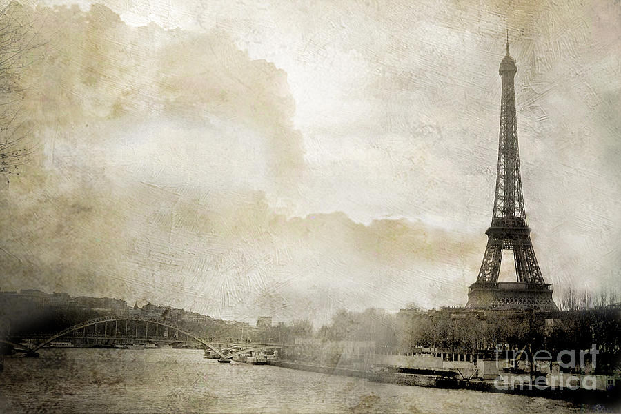 Famous Paris Eiffel Tower Dreamy Winter White Textured Watercolor Painted  UK89