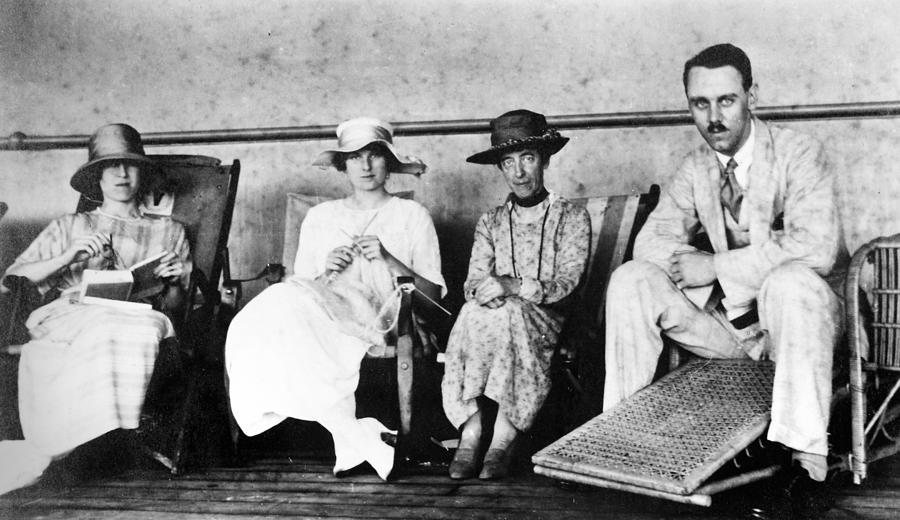 1912 Photograph - Passengers On Ship, 1912 by Granger