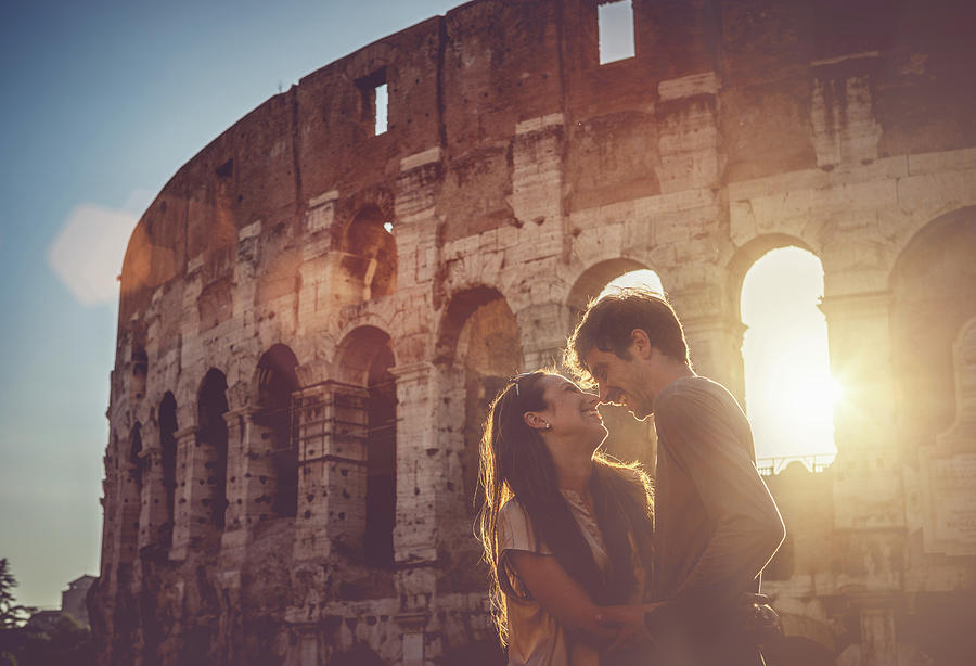 Passionate Kiss In Front Of The Coliseum Photograph by Piola666