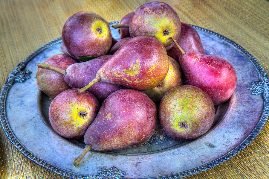 Farmers Market Photograph - Pears On A Plate by Victor Marsh