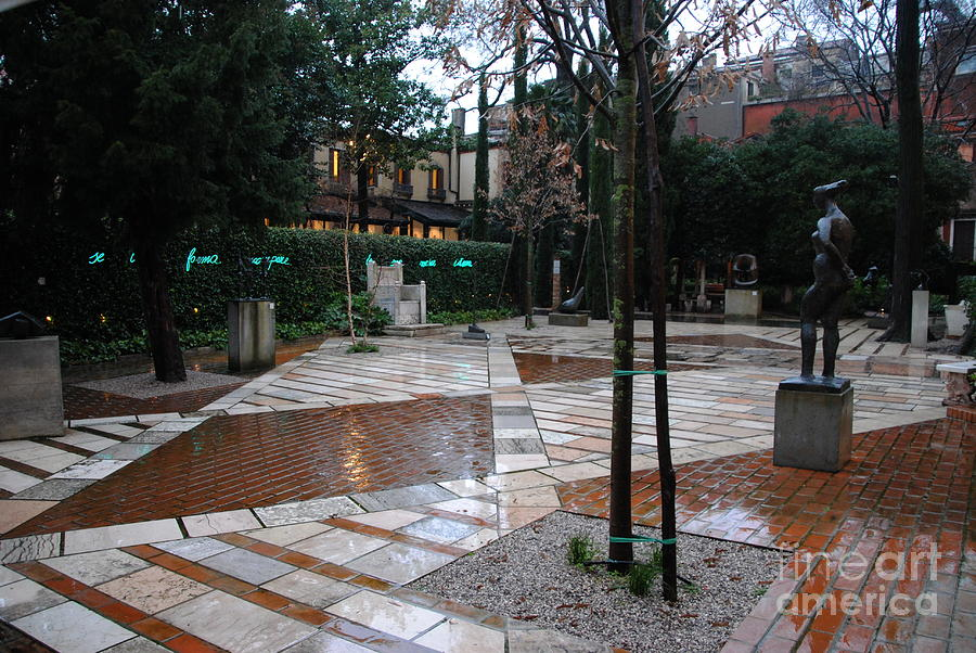 Museum Garden Photograph - Peggy Guggenheim Museum Garden by Jacqueline M Lewis