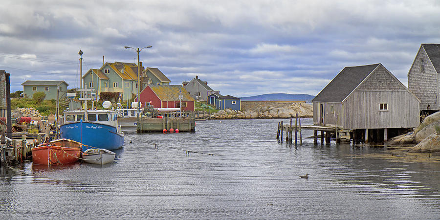 Peggy's Photograph - Peggys Cove 22 by Betsy Knapp