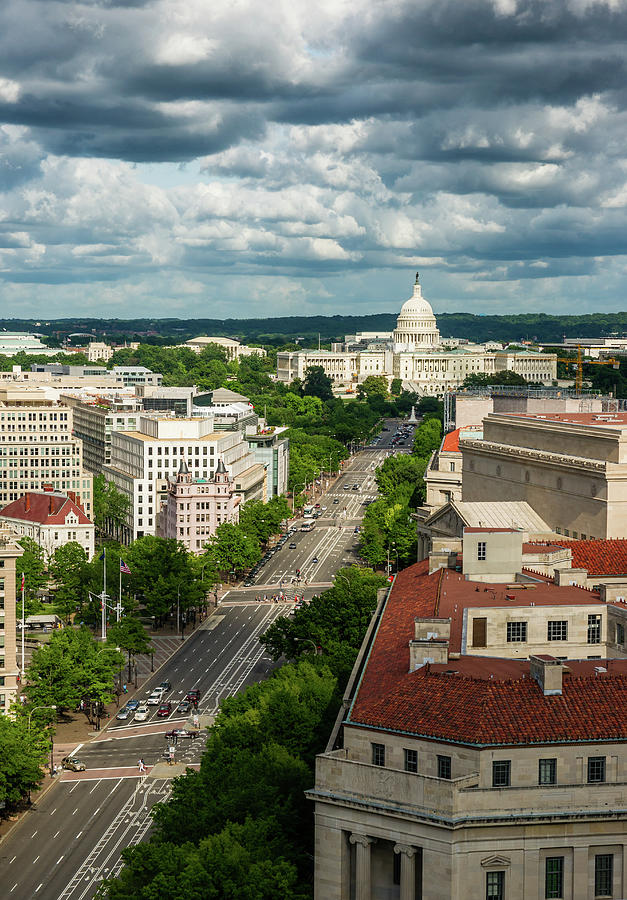 Pennsylvania Avenue Leading Up To The Photograph by Miralex