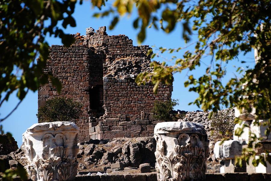 Pergamum Photograph - Pergamum - Premier Ancient Site In Turkey by Jacqueline M Lewis