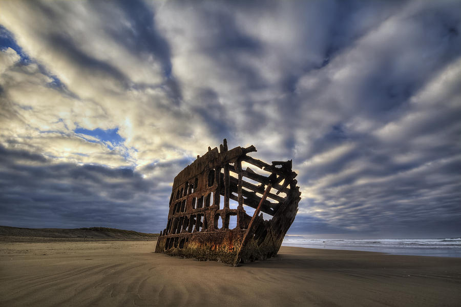 Beach Photograph - Peter Iredale Shipwreck Sunrise by Mark Kiver