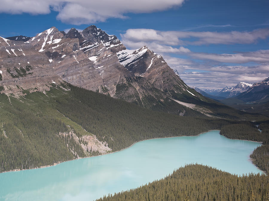 Peyto Lake Photograph - Peyto Lake And Caldron Peak by Richard Berry