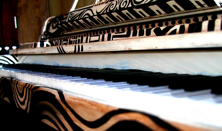 Piano in the Dark - Music By Diana Sainz by Diana Raquel Sainz