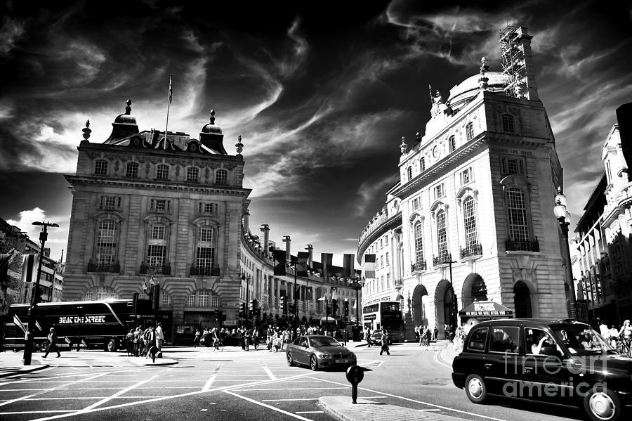 Piccadilly Circus Photograph - Piccadilly Circus by John Rizzuto
