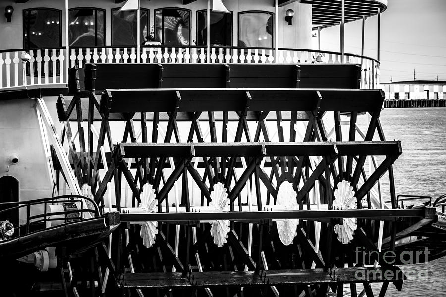 America Photograph - Picture Of Natchez Steamboat Paddle Wheel In New Orleans by Paul Velgos